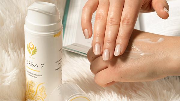 Széles spektrumú gyógynövényes krém, ami fájdalommal, gyulladással járó bőrprobléma esetén alkalmazható